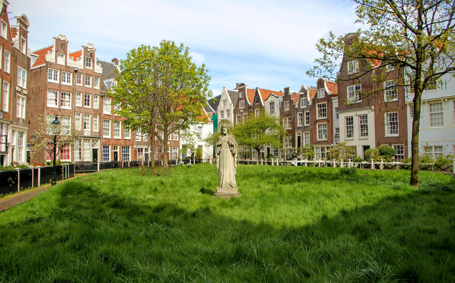 Hidden-Places-To-Visit-In-Amsterdam-6